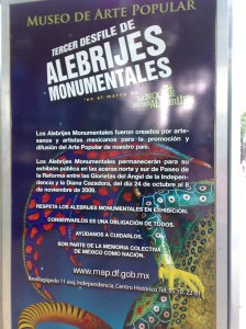 Letrero de la muestra de Alebrijes