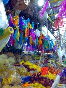 Mercado con Piñatas