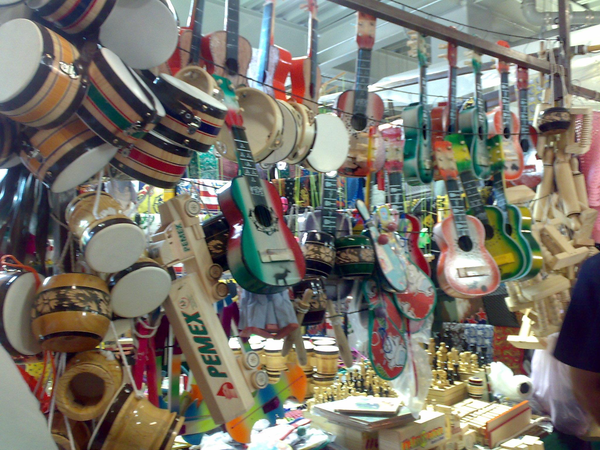 Pensando en los demás en Navidad » Juguetes Mexicanos
